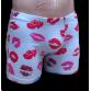 Szürke stretch alsónadrág, csók mintával